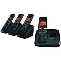 Telefono Motorola kit de 4  L704M