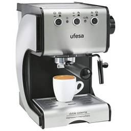 Cafetera Expresso de Bomba UFESA CE7141
